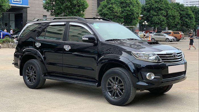 co nen mua thanh lat toyota fortuner doi 2015